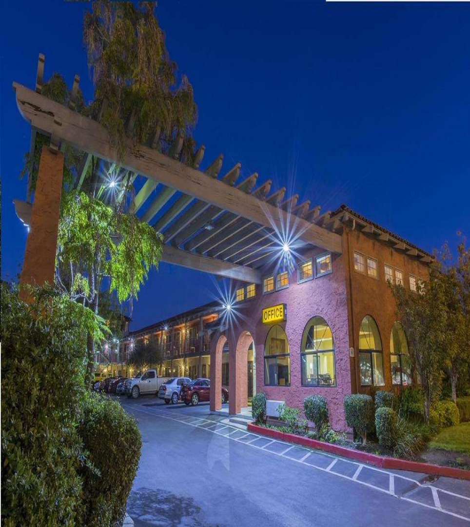ENJOY THE  AMENITIES AND GUEST SERVICES AT OUR MILPITAS, CALIFORNIA HOTEL