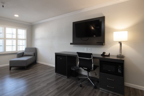 Baymont Inn and Suites Milpitas - Flat Screen TVs