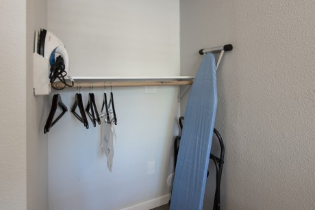 Baymont Inn and Suites Milpitas - Lowered Shelves